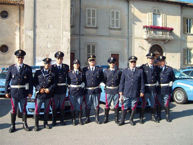Nove agenti della polizia stradale della sottosezione di - Foto della polizia citazioni ...
