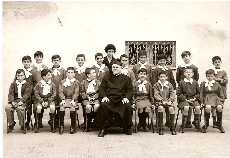 Don Felice Piccirilli e i suoi 'ragazzi' - Archivio Francescopaolo D'Adamo
