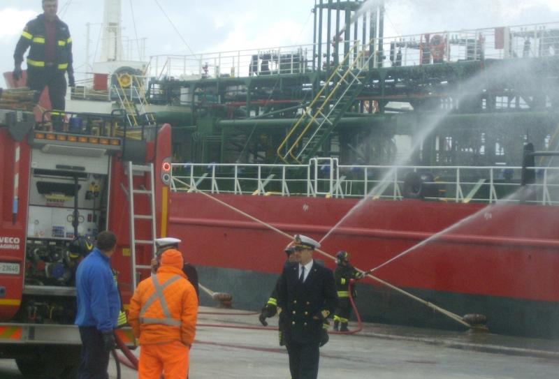 Ufficio Di Fonzo Vasto : Mezzi di soccorso in azione in porto a punta penna: vanno in scena