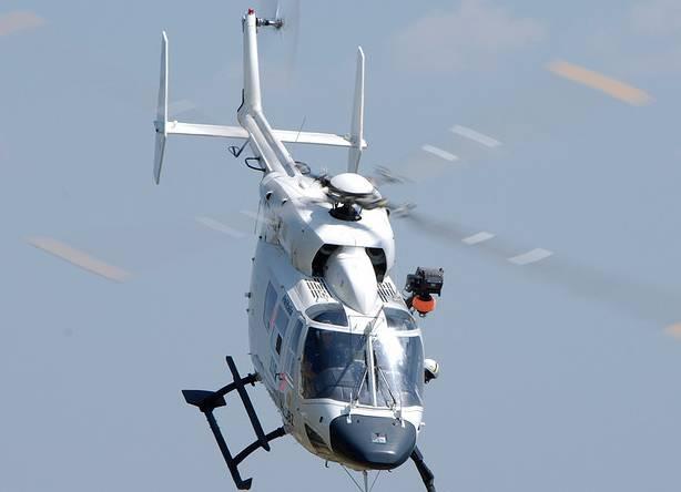 Elicottero Bianco E Blu : L ambiente controllato dall alto polizia e corpo