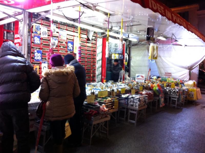 Salumi dolci e piccole idee regalo ieri la prima giornata dei mercatini le 39 meraviglie di natale 39 - Piccole idee regalo per natale ...
