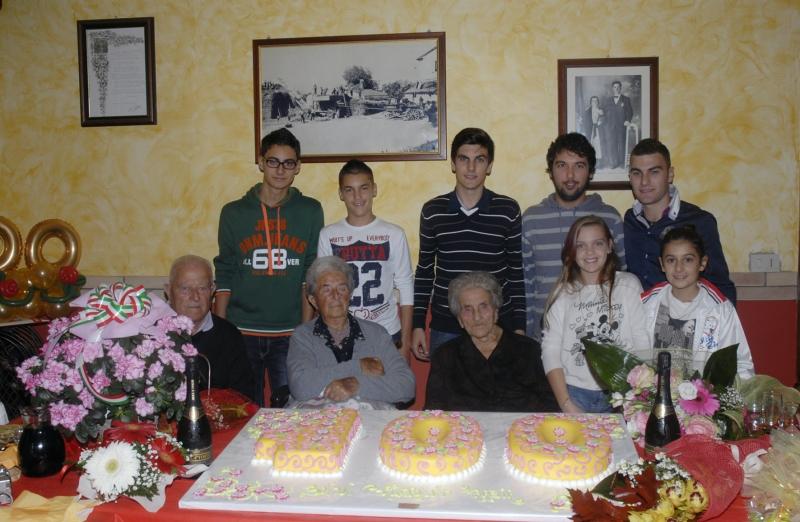 Nonna Grazia in compagnia dei nipoti