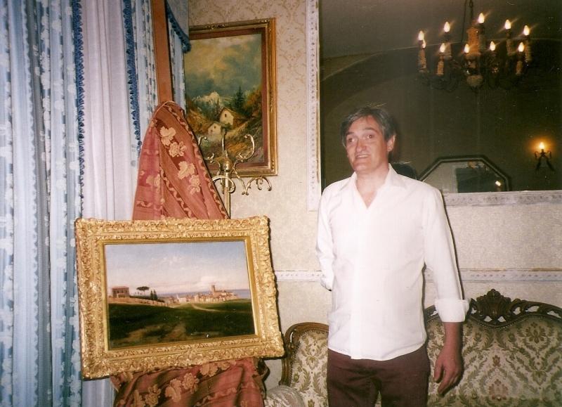 Stefano D'Adamo con il dipinto di Nicola Palizzi