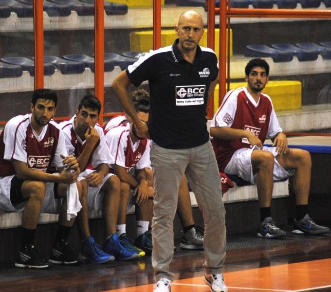 Il coach della BCC Vasto Basket Sandro Di Salvatore