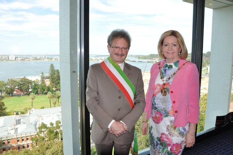 I sindaci di Vasto e Perth Luciano Lapenna e Lisa Scaffidi