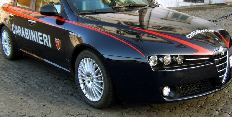 Accoltellata a Vasto: uomo ricercato da carabinieri e polizia