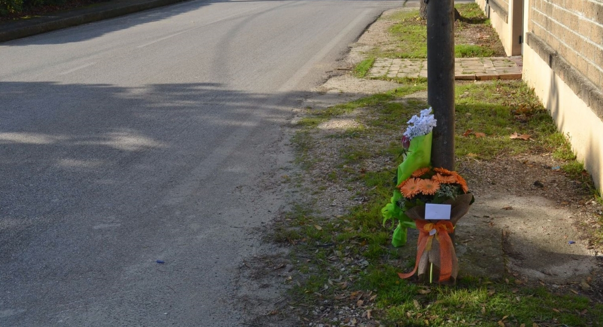 Casalbordino, scooter contro un palo: muore 18enne