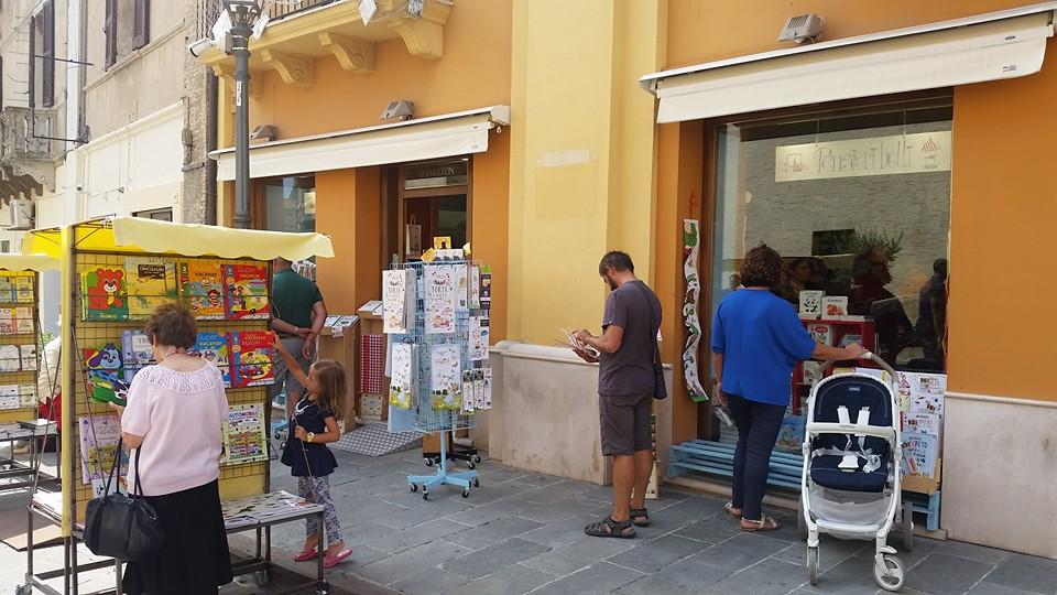 Domenica pomeriggio negozi aperti nel centro storico di Vasto