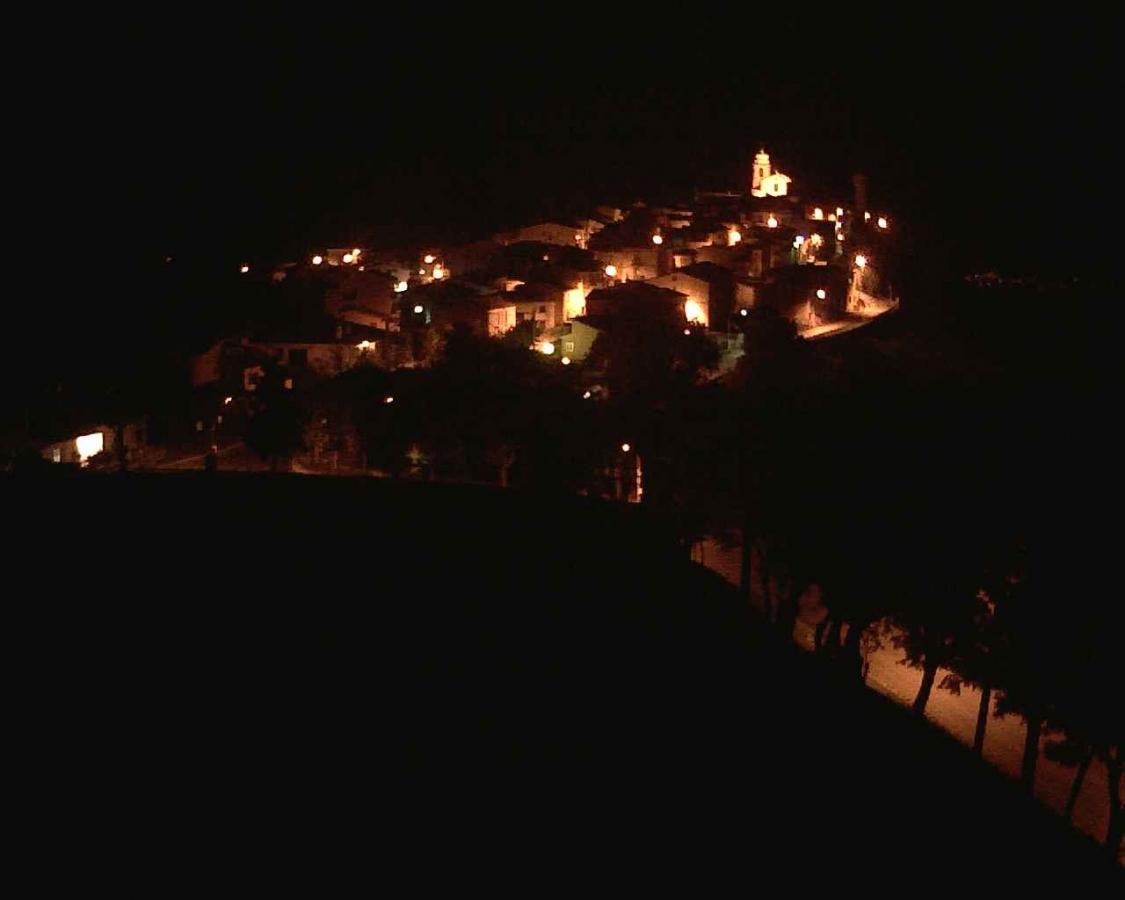 panorama di Guilmi (CH) di notte