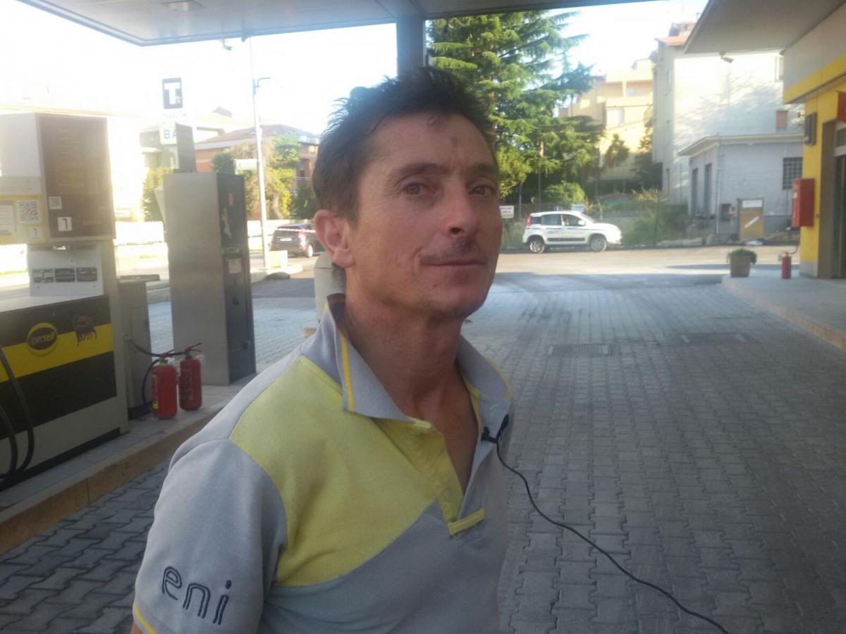 Tonino Rotondo all'area di servizio Eni di corso Mazzini a Vasto