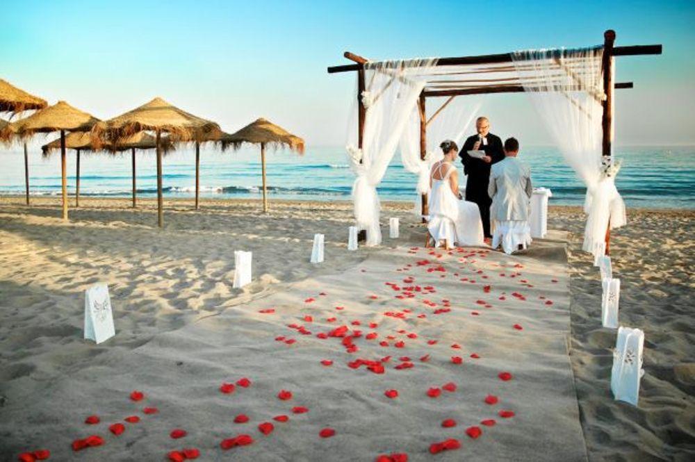 Matrimonio Spiaggia Salento : Matrimoni fuori dal comune perché no? a vasto manca il regolamento