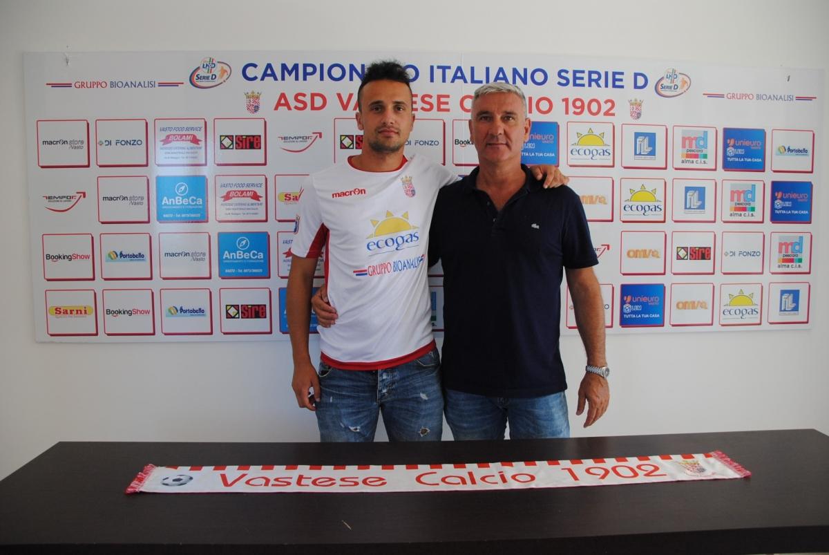 Cristian Stivaletta al fianco del presidente della Vastese Franco Bolami
