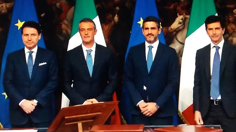 Castaldi al fianco del presidente del Consiglio Conte