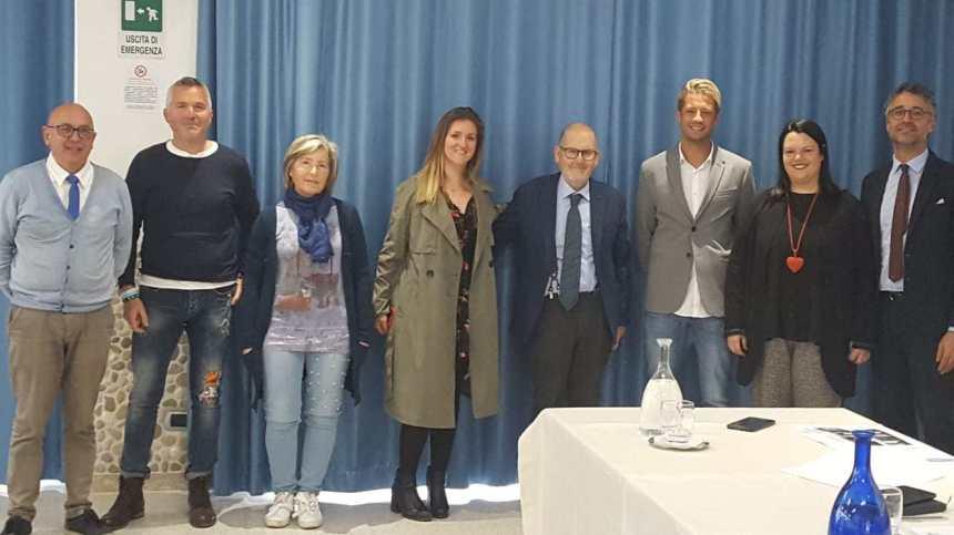 Caterina Celenza, penultima da sinistra nella foto