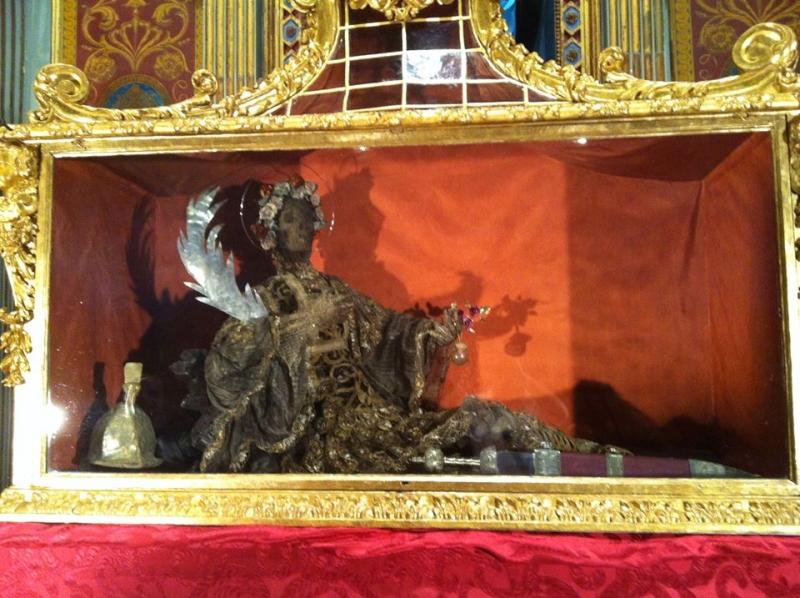 L'Urna di San Cesario nella chiesa di Santa Maria Maggiore